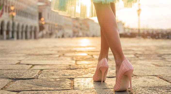 sapatilhas ou saltos altos-tacones